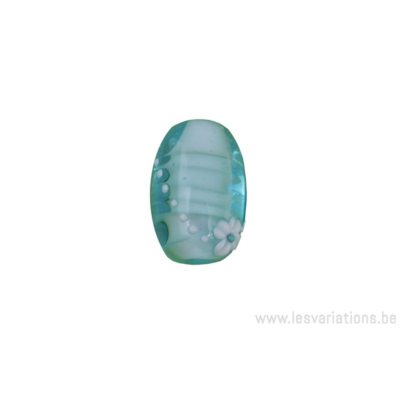 Perle en verre d 39 artisan ovale fleur bleu transparent for Photophore en verre transparent