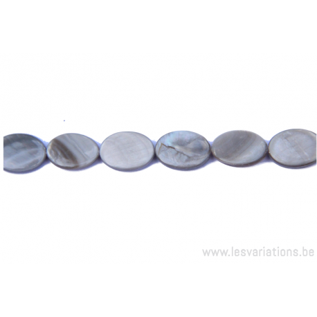Perle en nacre - ovale - gris
