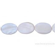 Perle en nacre - ovale - blanc nacre