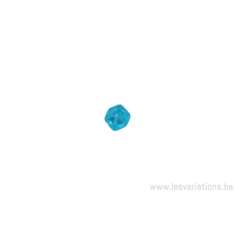 Perle en verre carr e bleu clair transparent x 4 tch quie for Sol en verre transparent