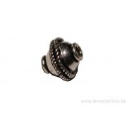 Perle ronde en métal argent d'Inde - tresse au centre x 10