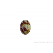 Perle en verre d'artisan - ronde - blanc feuille verte / brune