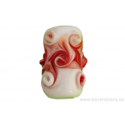 Perle en verre d'artisan - cylindre - spirales rouge