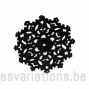 Pendentif - fleur stylisée en bois - noir