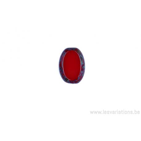 Perle en verre ovale - rouge clair - moucheté vert brun