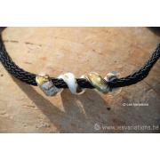 Collier de verre les spirales perle blanche - feuille d'argent