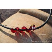 Collier de verre les spirales - Le serpent rouge - feuille d'argent