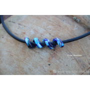 Collier de verre les spirales - différents bleus