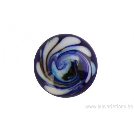 Cabochon en verre artisanal - motif abstrait - bleu et blanc