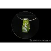 Pendentif en verre vert et feuille d'argent