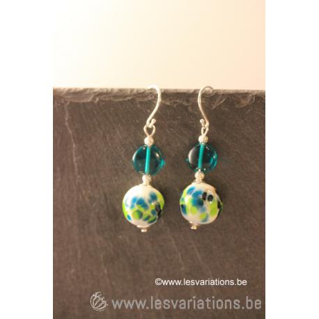 boucles d'oreille en perles d'artisan