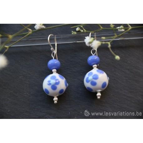 Boucles d'oreille en perles d'artisan avec fleur rouge - collection Vintage