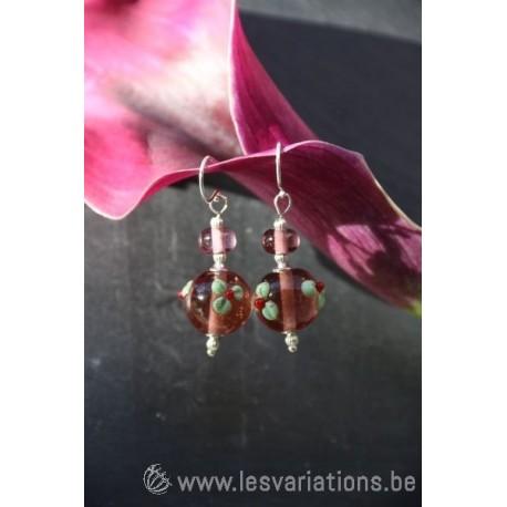 Boucles d'oreille en perles d'artisan noir et blanc- collection Vintage