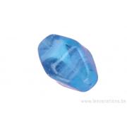 Perle en verre en losange à facette - bleu clair