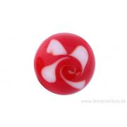 Perle en verre d'artisan -ronde - rouge spirale blanche