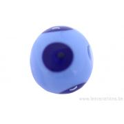 Perle en verre d'artisan -ronde - bleu clair - pois bleu foncé - bulle d'aire