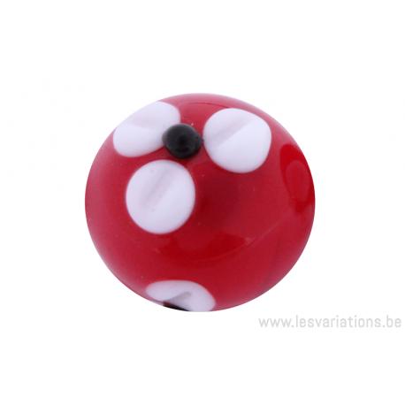 Perle en verre d'artisan -ronde - rouge - fleurs blanches