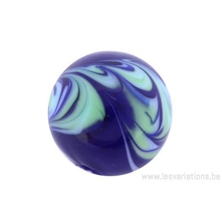 Perle en verre d'artisan -ronde - bleu - nuage vert / bleu clair